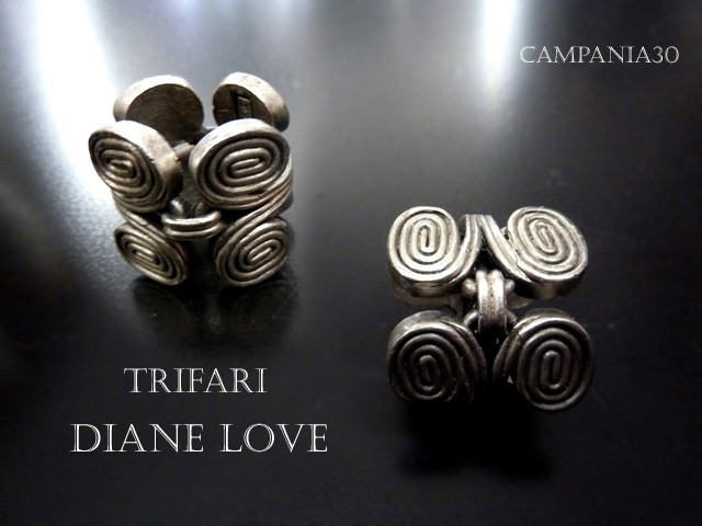 "AR7 - ANELLO TRIFARI DIANE LOVE ""SCROLL"" - LE COLLEZIONI  DI CAMPANIA30"